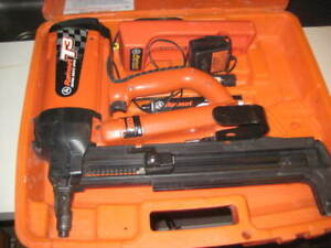 Ramset T3 Cordless Gas Actuated Fastener Nailer W 2 Batteries Charger