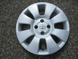 One Genuine 2006 To 2008 Toyota Yaris 15 Inch Hubcap Wheel Cover