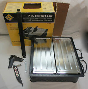 Qep 3 4 Hp 7 Inch Tile Wet Saw No 22500 With Table And Some Accessories