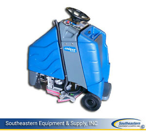 Reconditioned Windsor Chariot Iscrub 24 Disk Floor Scrubber