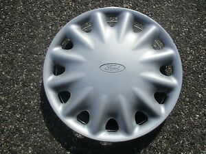 One Factory 1995 To 1999 Ford Contour 14 Inch Hubcap Wheel Cover