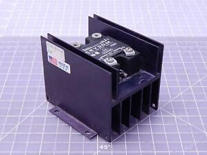 Crydom Pc 24 25 0 s0 c D2440 Solid State Relay T104567