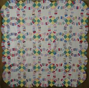 Excellent Beautiful Prints Vintage Wedding Ring Quilt Top 83x81