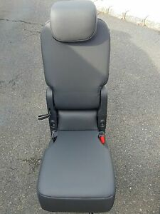 2017 2018 Chrysler Pacifica 2nd Second Row Middle Jump Seat Blk Leather