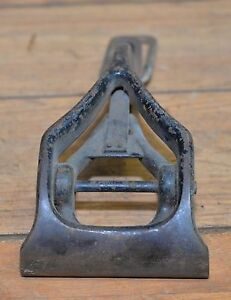 Rare Antique Cast Iron Leather Workers Clamp Saddle Makers Collectible Tool
