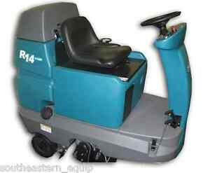 Reconditioned Tennant R14 Ride on Readyspace Carpet Cleaner