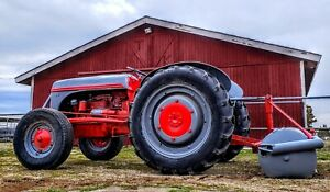 2n 1942 Ford Tractor