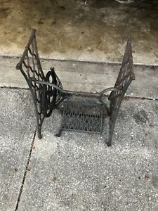 Vintage Cast Iron Singer Treadle Sewing Machine Base Table Legs Stand