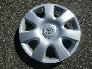 One Factory 2002 To 2005 Toyota Camry 15 Inch Hubcap Wheel Cover