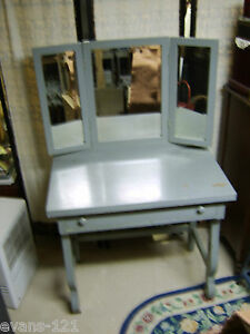 Vintage Make Up Dressing Table Folding Three Beveled Glass Mirrors Pick Up Only
