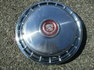 One Genuine 1985 To 1988 Cadillac Deville 14 Inch Hubcap Wheel Cover