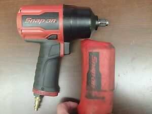 Snap on Pt850 1 2 Drive Air Impact Wrench W Red And Black Cover