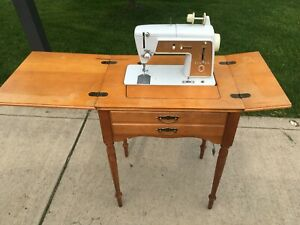 Vintage Antique Singer Sewing Machine And Table Model Number 603