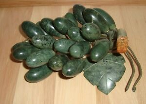 Vintage 1970s Old Chinese Dark Green Jade Grapes Grape Figurine Statue Fruit