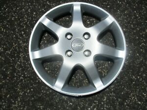 One 2005 2006 Ford Focus 15 Inch Hubcap Wheel Cover Scratched