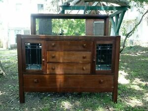 Stickley Style Antique Mission Arts And Crafts Style Oak Sideboard Leaded Glass