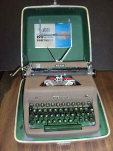 Fully Serviced 1953 Royal quiet De Luxe Manual Portable Typewriter W case