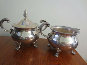 Beautiful Vintage Bristol Silverplate By Poole Creamer And Sugar Bowl 110