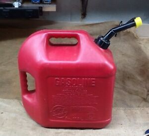Vintage Blitz 5 Gallon Gas Fuel Can With Vented Fixed Spout 50833 Made In Usa