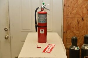 10lb Abc Fire Extinguisher Buckeye In Very Good Condition W bracket And Sign