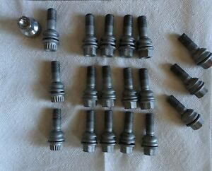 Porsche Cayenne Wheel Bolts Wheel 15 Bolts Lock 3 Wheel 1 Key