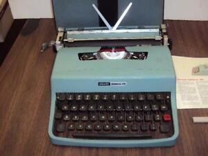 Fully Serviced olivetti Lettera 32 Manual Portable Typewriter W case Great