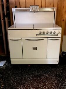 1940 S Vintage Bengal Stove The Stove Burns Gas Coal And Wood Working