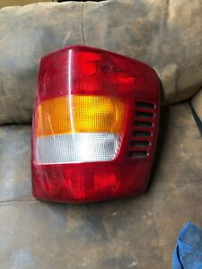 99 04 Jeep Grand Cherokee Rear Right Taillight