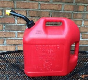 Vintage Blitz 5 Gallon Gas Fuel Can With Vent And Yellow Spout Cap Made In Usa