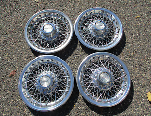 Factory Chevy Camaro Berlinetta 14 Inch Wire Spoke Hubcaps Wheel Covers Nice
