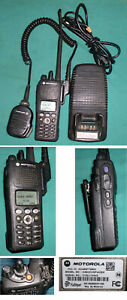 Motorola Astro Xts 2500 Model Iii Two Way Radio H46uch9pw2bn W Charger