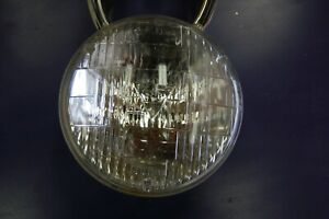 T3 Headlight 4001 Guide And Sealed Beam Is Bottom 1 At Top 1a 3a 12 E37