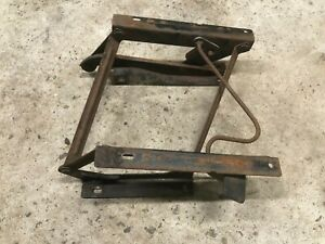 Jeep Cj Wrangler Yj Folding Seat Riser Driver Left Bracket Oem 1976 1990
