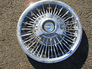 One 1965 1966 Ford Mustang 14 Inch Wire Spoke Spinner Hubcap Wheel Cover