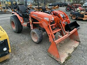 Kubota B3200 Tractor With Loader Stk 36985