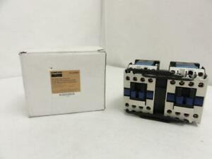 143416 New In Box Dayton 2uxn1 Reversing Contactor 9a 3p 600v Max Coil 240v