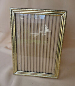 Vtg Gold Metal Picture Frame 5x7 Photo Ribbed Surround Victorian Style Etching