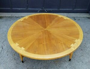 Lane Mid Century Danish Modern Acclaim Dovetail 47 Round Coffee Cocktail Table