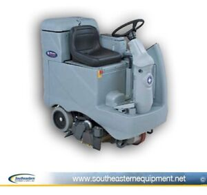 Reconditioned Advance Advenger 2810c Cylindrical Rider Floor Scrubber
