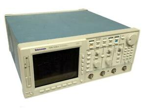 Tektronix Tds524a Color 2 channel Digitizing Oscilloscope Sold As Is