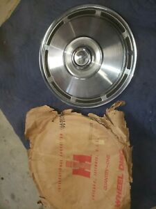 Ih International Scout Ii Hubcap 1971 1975 Oem Nos Travelall Travelette Truck