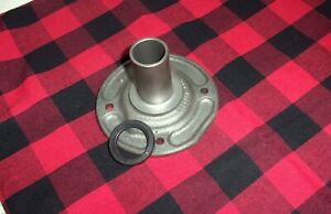 Saginaw 3 4 Speed Truck Bearing Retainer W Seal Wt301 6a Nice Used