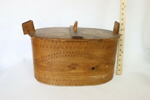 Antique Arts And Crafts Wooden Sewing Box W Wooden Spool