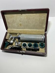 Vintage Welch Allyn Otoscope Ophthalmoscope Instrument Hand Tool Case Set Works