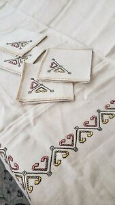Vintage Hand Embroidered Irish Linen Tablecloth 5 Napkins Nwt