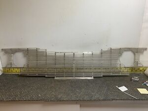 1960 Plymouth Used Oem Grille Fury Savoy Belvedere Suburban Wagon Nice