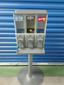 Vendstar 3000 Refurbished Vending Machine With Locks And Keys 2 Candy Machines
