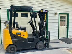 Daewoo G25e 3 Lp Forklift 5000 Lbs 3 Stage Mast Side Shift 1570 Hrs