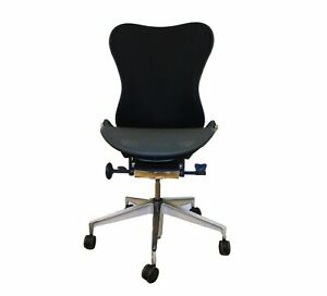 Authentic Herman Miller Mirra 2 Chair No Arms Dwr