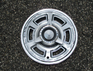 One Factory 1965 Pontiac Tempest 14 Inch Spinner Hubcap Wheel Cover Beater